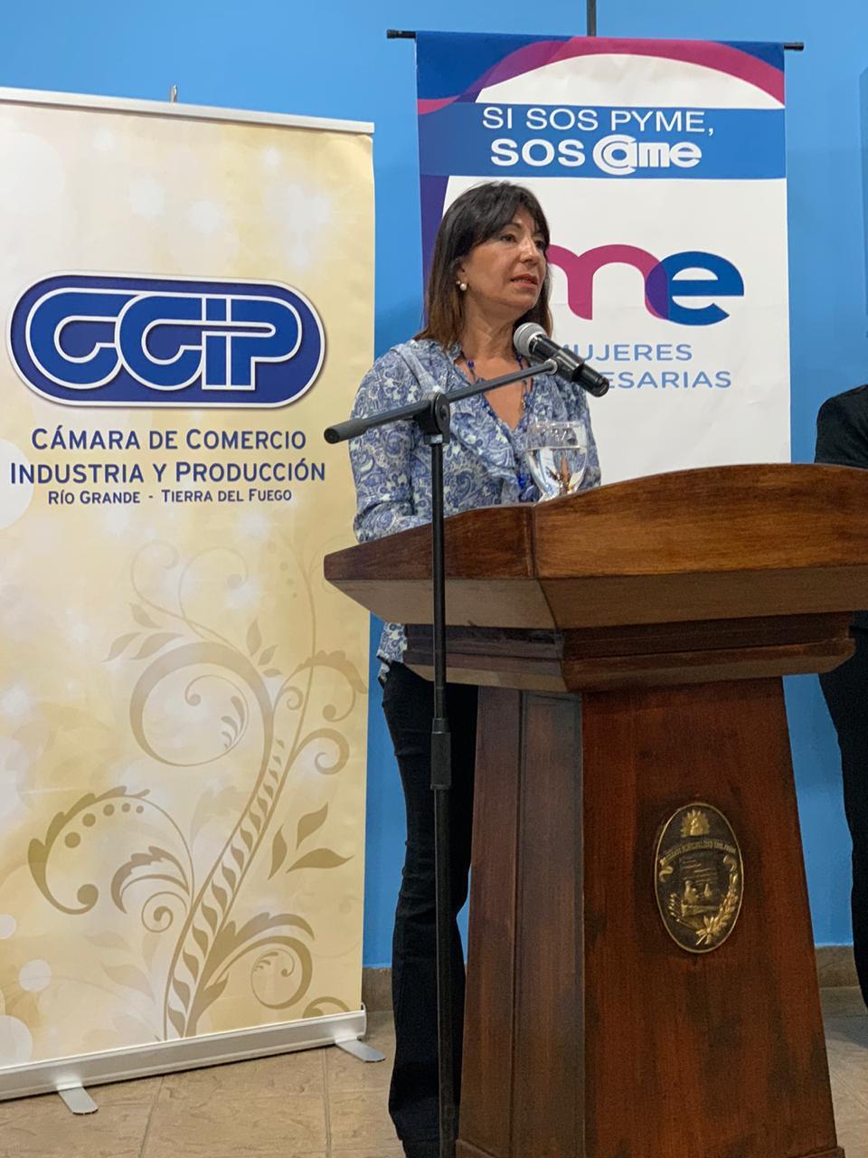 """Se hizo entrega de los premios """"Mujer Empresaria 2020"""" a las participantes de Ushuaia."""
